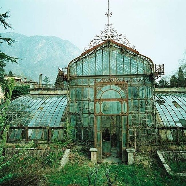 Click image for larger version  Name:abandonedgreenhouse1.jpg Views:2 Size:117.9 KB ID:25049