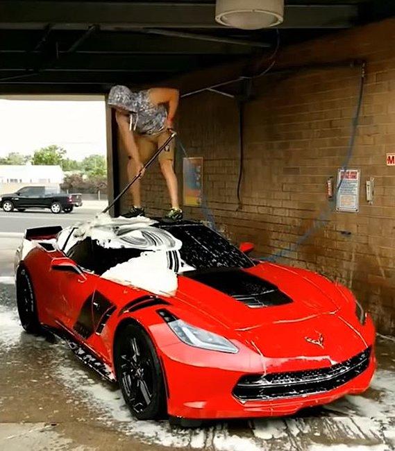 Click image for larger version  Name:Corvette wash 1.JPG Views:8 Size:70.5 KB ID:37540