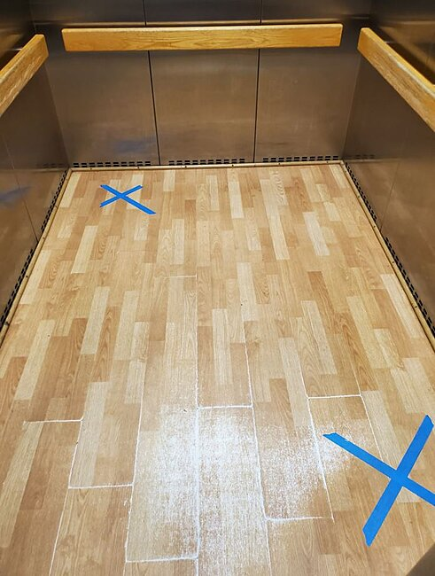 Click image for larger version  Name:elevator.JPG Views:5 Size:91.1 KB ID:49593