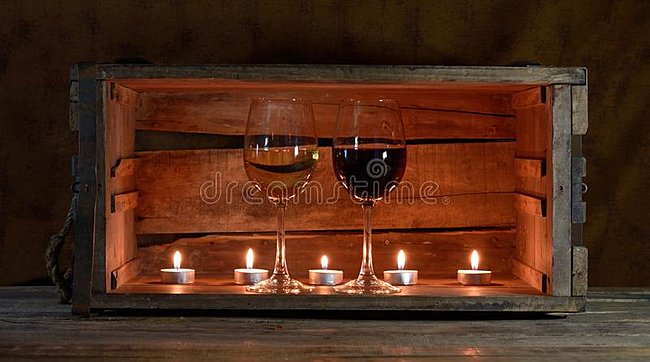 Click image for larger version  Name:wine-candles-five-ans-two-glasses-wooden-box-35262927.jpg Views:1 Size:50.7 KB ID:39385