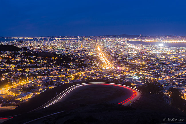 Click image for larger version  Name:San Francisco from the Twin Peaks overlook.jpg Views:5 Size:1.35 MB ID:21964