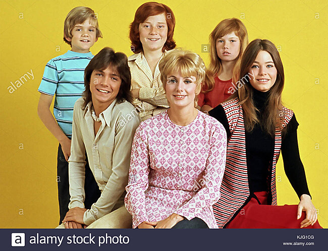 Click image for larger version  Name:the-partridge-family-screen-gems-american-tv-series-1970-1974-with-KJG1CG.jpg Views:2 Size:197.1 KB ID:44837