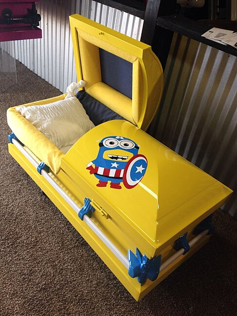 Click image for larger version  Name:minion coffin.jpg Views:1 Size:141.2 KB ID:57562
