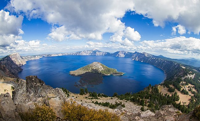 Click image for larger version  Name:crater lake.jpg Views:5 Size:137.9 KB ID:38126